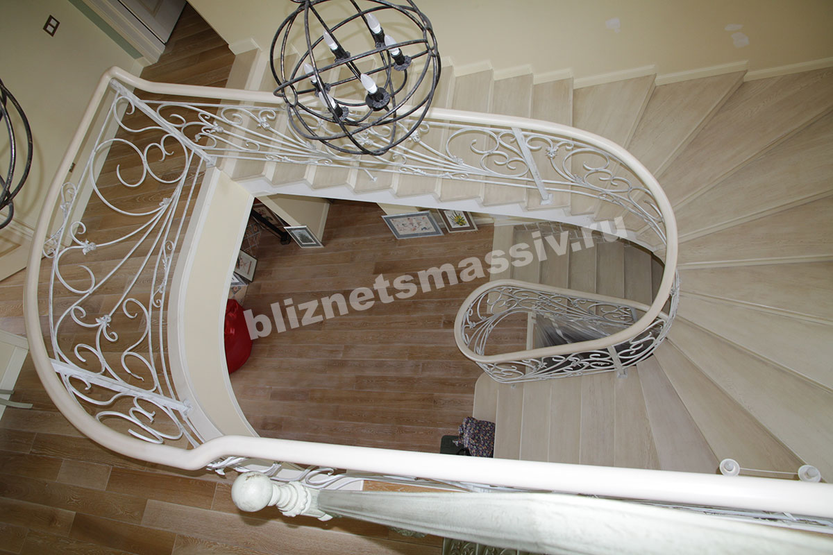 Лестницы из массива