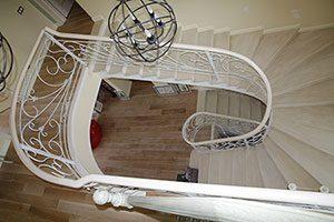 Лестница ясень 4 прямых марша с забежными ступенями