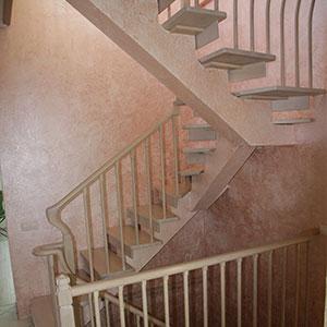 lestnica povorotnaya 180  - Элитные лестницы из массива заказать в Москве