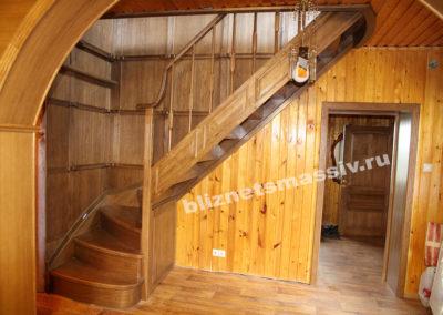 lestnicamassiv 400x284 - Портфолио лестницы из массива