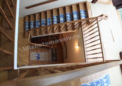 lestnicamassiv2 400x284 - Портфолио лестницы из массива