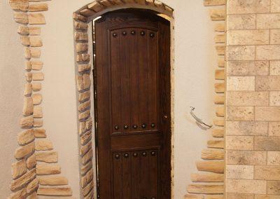 dver radiusnaya 400x284 - Портфолио двери из массива